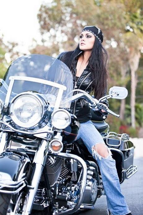 Gulsen carlos sexy biker model horny chick - Pictures of chicks on bikes ...